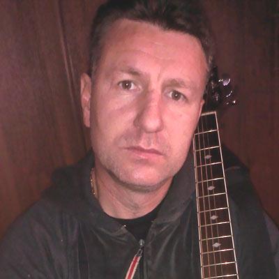 Антон Дынин, автор и исполнитель